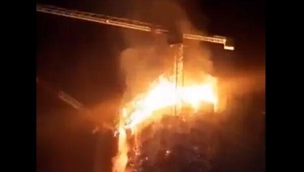 Skyscraper on fire in Warsaw - Sputnik International