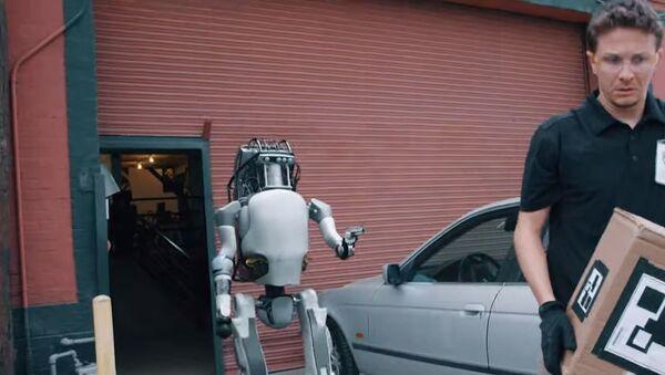 Boston Dynamics: New Robots Now Fight Back - Sputnik International