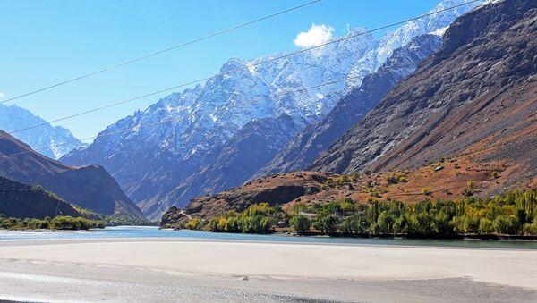 Tajikistan border with Afghanistan near Pamir River - Sputnik International