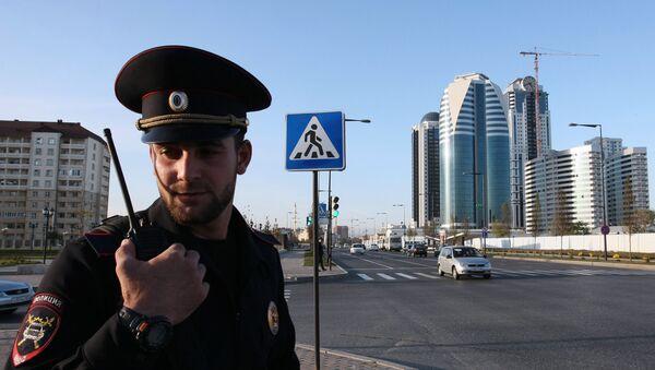 A police officer patrolling the streets in the city of Grozny - Sputnik International