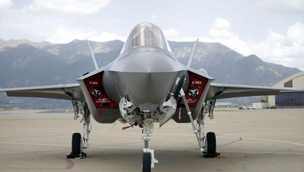 F-35 jet sits on the tarmac (File) - Sputnik International