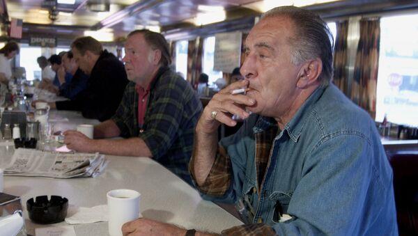 A smoker in New York in 2003 - Sputnik International