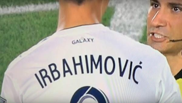 Misspelling on jersey of LA Galaxy forward Zlatan Ibrahimovic from July 4 match against Toronto FC  - Sputnik International