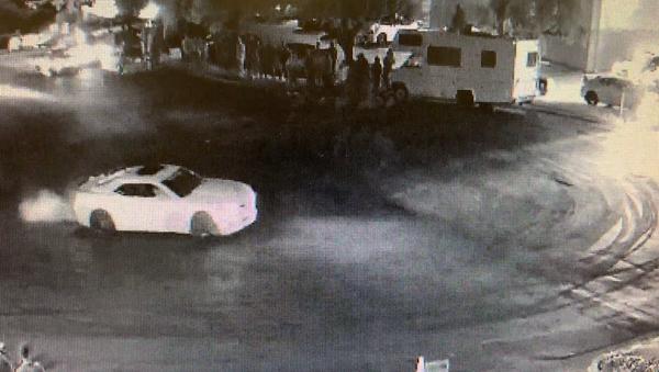 US Street Racers Flee Scene After Beating, Robbing Elderly Man - Sputnik International