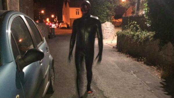 Man dressed in a gimp suit terrorising the Somerset village of Claverham - Sputnik International