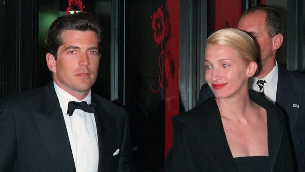 In a file photo John F. Kennedy, Jr. and his wife, Carolyn Bessette Kennedy, arrive at the Minskoff Theatre Monday night, April 6, 1998 - Sputnik International