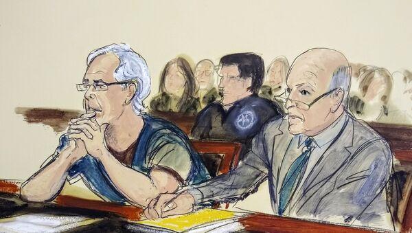Jeffrey Epstein, left, and his attorney Martin Weinberg listen during a bail hearing in federal court - Sputnik International