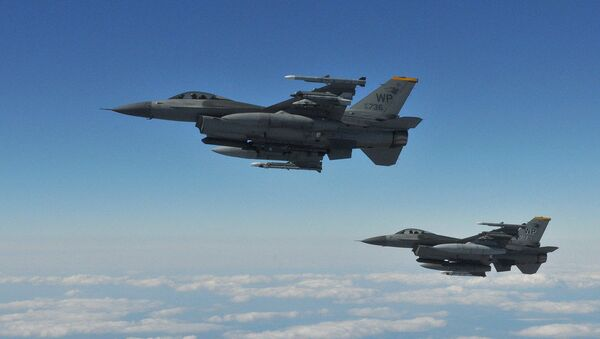 Two F-16 Fighting Falcons pilots with the 8th Fighter Wing's 80th Fighter Squadron, Kunsan Air Base, Republic of Korea - Sputnik International