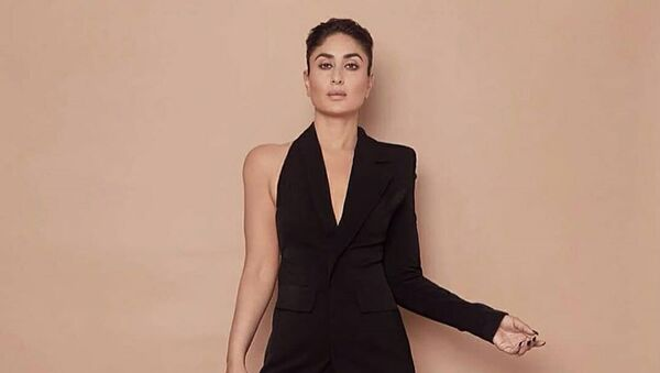 Indian superstar Kareena Kapoor Khan is no stranger to wowing her fans with her glamorous style. However, this time her outfit has left many of her fans, especially the Twitterati, chuckling. - Sputnik International