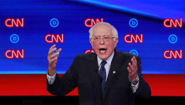 US Senator Bernie Sanders speaks on the first night of the second 2020 Democratic US presidential debate in Detroit, Michigan - Sputnik International