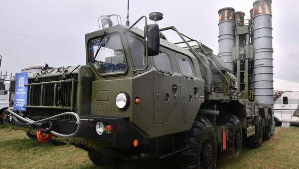 S-400 Triumph missile launcher - Sputnik International