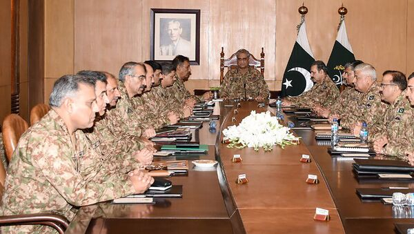 In this handout picture taken and released by Pakistani military Inter Services Public Relations (ISPR) on August 6, 2019, Army Chief General Qamar Javed Bajwa (C) presides over a Corps Commanders' Conference in Rawalpindi. - Sputnik International