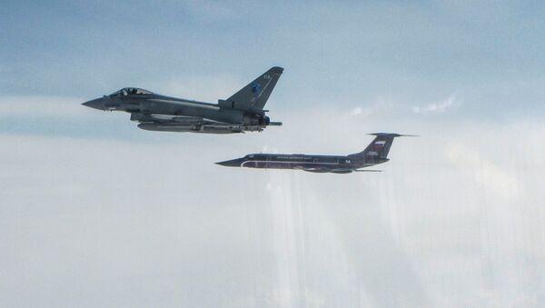 "RAF Typhoon and Russian Tupolev TU-134 ""Crusty"" - Sputnik International"