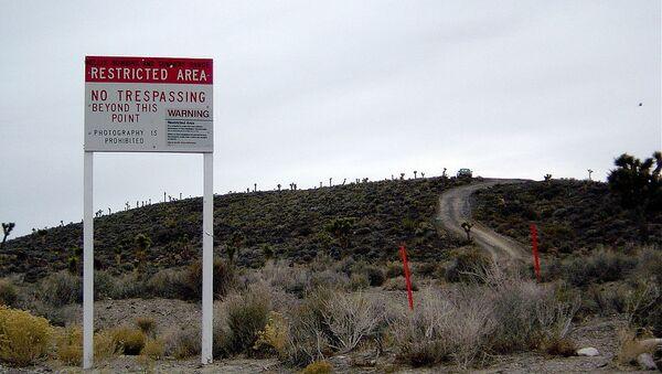 Warning sign near secret Area 51 base in Nevada - Sputnik International