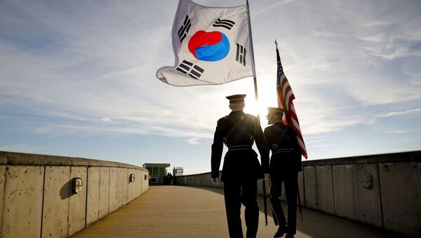 Members of the Honor Guard carry U.S. and South Korea flags after participating in the 2018 Security Consultative at the Pentagon, co-hosted by Defense Secretary Jim Mattis and South Korea Minister of Defense Jeong Kyeong-doo, Wednesday, Oct. 31, 2018 - Sputnik International