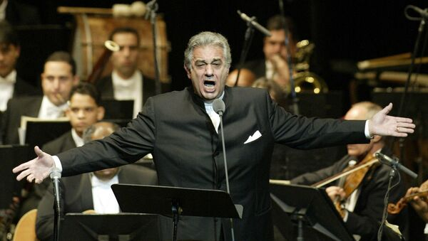 In this Thursday, Jan. 22, 2004, file photo, Placido Domingo sings during his performance at the National Theater in Santiago, Dominican Republic. - Sputnik International