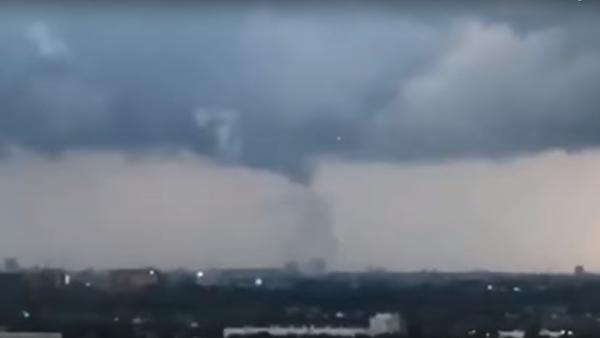 UFOs seen during mini tornado in Amsterdam,Nederland! Aug 10,2019 - Sputnik International