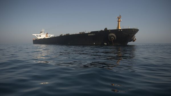 Picture shows Iranian supertanker Grace 1 - Sputnik International