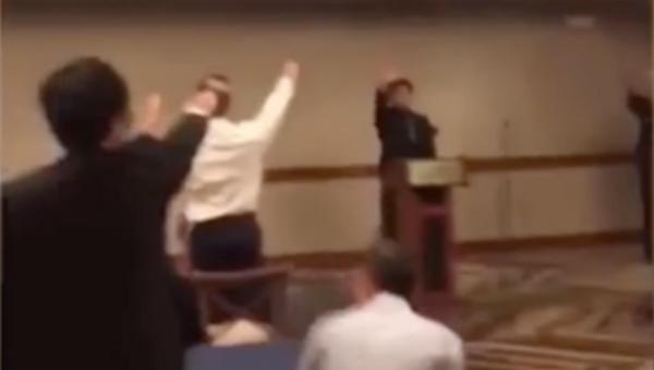 US High School Students Sing Nazi Song While Giving Hitler Salute - Sputnik International