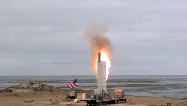 Defense Department conducts a flight test of a ground-launched cruise missile at San Nicolas Island, California, 18 August 2019 - Sputnik International