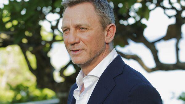 Daniel Craig poses for photographers during the photo call for James Bond film franchise - Sputnik International
