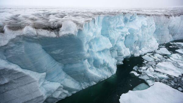 Glacier Near Champ Island of the Franz Josef Land Archipelago. - Sputnik International