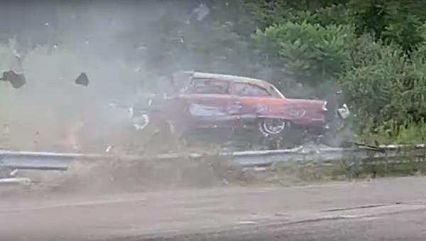 US Racer Loses Control, Flips Car During Event - Sputnik International