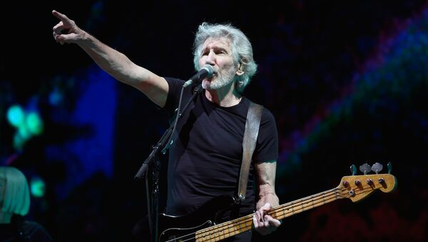 English singer/songwriter/bassist Roger Waters performs at the Sports Palace in Mexico City on November 28, 2018.  - Sputnik International