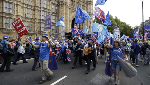 Members of a pro-EU band perform as they protest outside the Houses of Parliament in London, Tuesday, Sept. 3, 2019 - Sputnik International