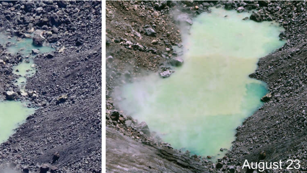 The pond of water at the bottom of Halema'uma'u continues to enlarge. In theses photos from August 23 at 10:32 a.m. (left) and August 25 at 12:22 p.m. (right) - Sputnik International