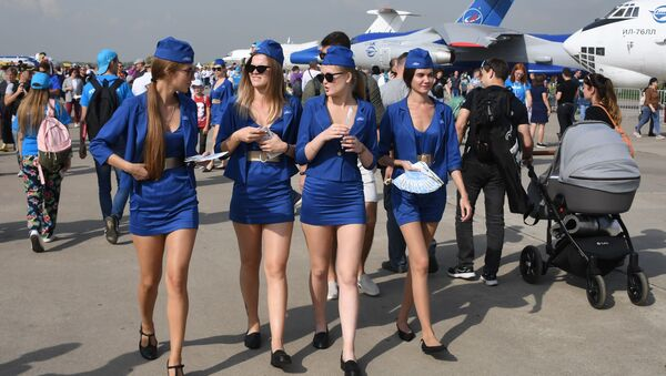 Girls at the MAKS-2019 international aviation and space show in Zhukovsky outside Moscow - Sputnik International