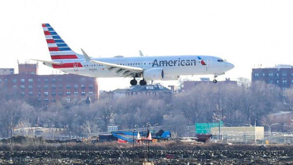 An American Airlines Boeing 737 Max 8, on a flight from Miami to New York City, comes in for landing at LaGuardia Airport in New York - Sputnik International
