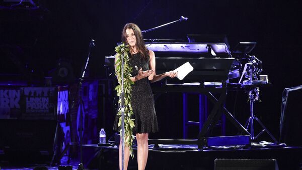 Talinda Ann Bentley speaks during the Linkin Park and Friends Celebrate Life in Honor of Chester Bennington at the Hollywood Bowl on Friday, Oct. 27, 2017, in Los Angeles. - Sputnik International