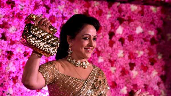 Indian Bollywood actress and politician Hema Malini attends the Lux Golden Rose Awards ceremony in Mumbai on November 18, 2018 - Sputnik International