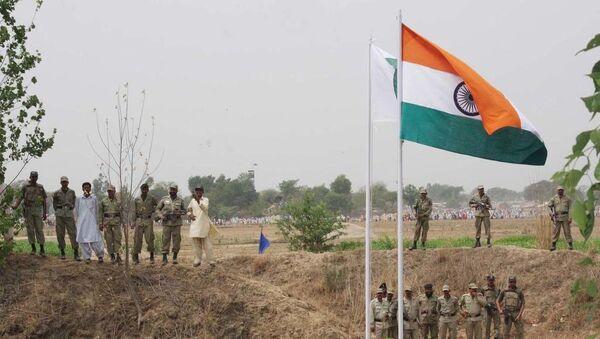 Baba Chamliyal Mela at Indo-Pak international Border, near Jammu - Sputnik International
