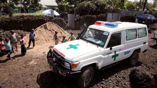 An ambulance waits next to a health clinic to transport a suspected Ebola patient, in Goma in the Democratic Republic of Congo, August 5, 2019 - Sputnik International