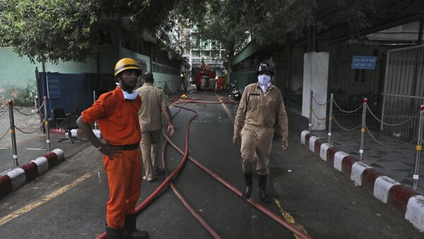 Firefighters work to put out a fire that broke out at the All India Institute of Medical Sciences (AIIMS) hospital in New Delhi, India, Saturday, Aug. 17, 2019 - Sputnik International