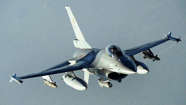 Belgian military F-16 Fighting Falcon - Sputnik International