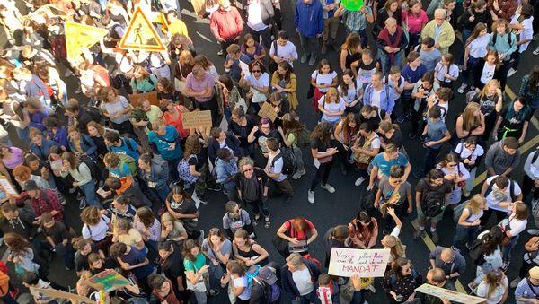 Demonstration involving climate change activists in Paris - Sputnik International