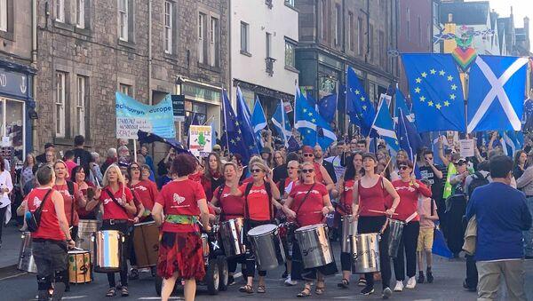 EU supporters March to Remain in Edinburgh - Sputnik International