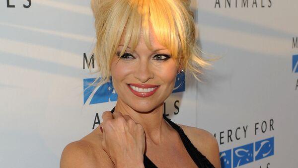 Pamela Anderson - Sputnik International