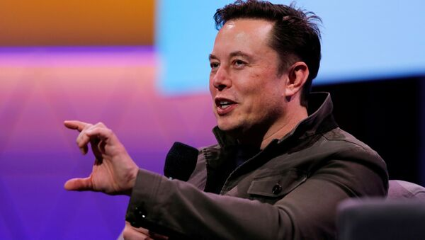 FILE PHOTO: SpaceX owner and Tesla CEO Elon Musk gestures during a conversation with legendary game designer Todd Howard (not pictured) at the E3 gaming convention in Los Angeles, California, U.S., June 13, 2019 - Sputnik International