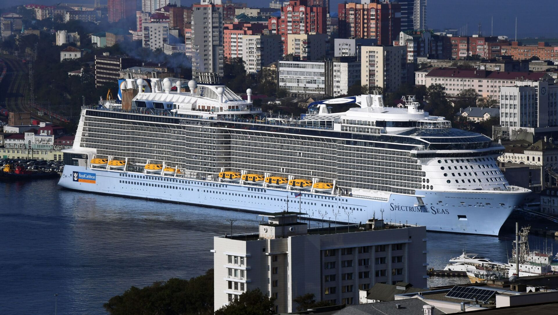 The Spectrum of the Seas cruise ship arrives in the port of Vladivostok. The vessel is based in Shanghai and carries passengers to Japan.   - Sputnik International, 1920, 27.08.2021