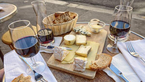 Cheese, Wine and Bread - Sputnik International