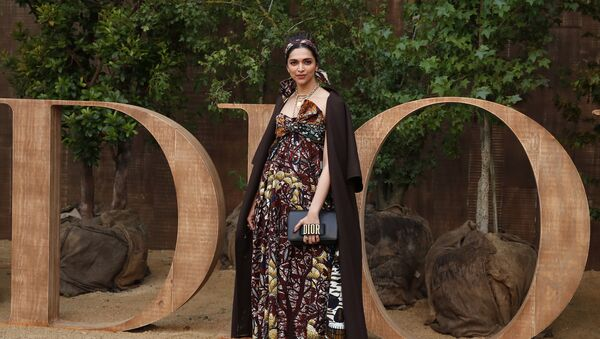 Deepika Padukone poses during a photocall before Dior's Ready To Wear Spring-Summer 2020 collection, unveiled during the fashion week, in Paris, Tuesday, Sept. 24, 2019 - Sputnik International