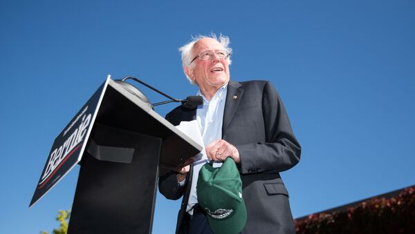 Democratic presidential candidate, Sen. Bernie Sanders (I-VT) speaks at a campaign event at Plymouth State University on September 29, 2019 in Plymouth, New Hampshire - Sputnik International