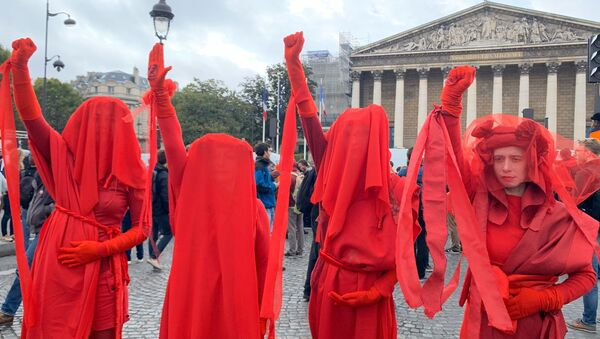 Red Rebels Brigade Protest With Extinction Rebellion in front of the National Assembly in Paris - Sputnik International