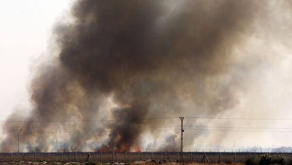 Smoke billows from fires on targets in Tel Abyad, Syria - Sputnik International