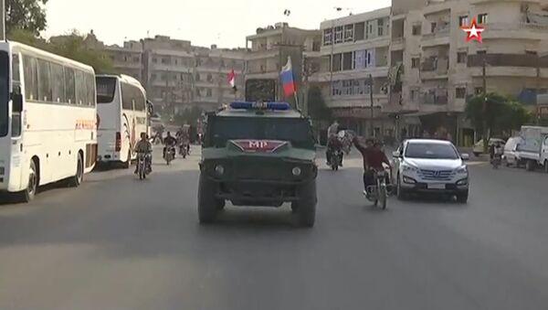 Manbij patrols by Russian military police - Sputnik International