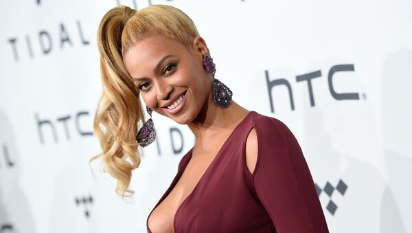 In this Oct. 20, 2015 file photo, singer Beyonce Knowles arrives at TIDAL X: 1020 Amplified by HTC in New York. Beyonce is launching an active wear line for women next month. The singer announced the 2016 spring/summer collection called Ivy Park on Thursday. It's a collaboration with Sir Philip Green and will be available April 14.  - Sputnik International